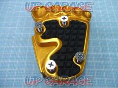 Foot type pedal cover gold 2860 yen (tax included)