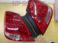 TOYOTA 18 series Crown Majesta early period original tail (S 02124)