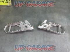 Unknown Manufacturer Foot peg CRF250M