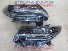 Toyota original (TOYOTA) Alphard Genuine processing late headlight Right and left