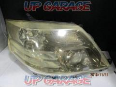 TOYOTA (Toyota) Alphard Genuine headlight Right only