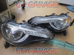 Toyota 86 Previous period Genuine headlight