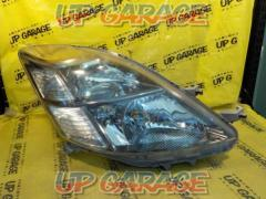 Toyota original (TOYOTA) Isis genuine headlight