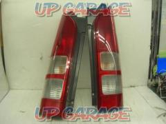 Toyota original (TOYOTA) Hiace / 1-3 type genuine tail lens