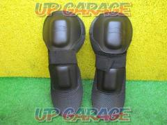 ROUGH & ROAD (Rafuandorodo) Knee protector Right and left