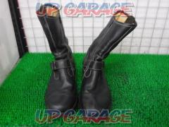 Lee Leather boots