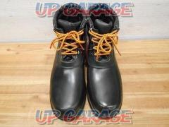Unknown Manufacturer Vinyl boots safety shoes Size: 28.0
