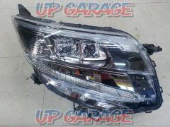 Toyota original (TOYOTA) Noah/80 series late genuine headlight ※ Driver's seat side only