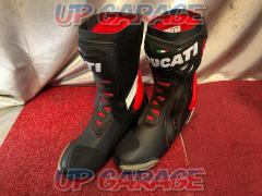 Size: Approximately 28.5cm (EU44 / US10) TCX / DUCATI CORSE 3 Racing boots