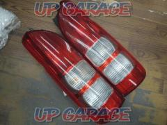 TOYOTA Hiace 200 Genuine tail lens