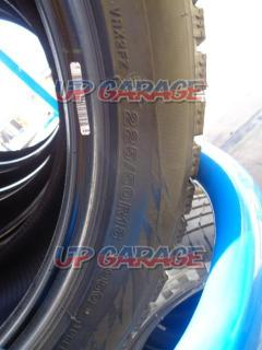 BRIDGESTONE (Bridgestone) BLIZZAK VRX2 Two