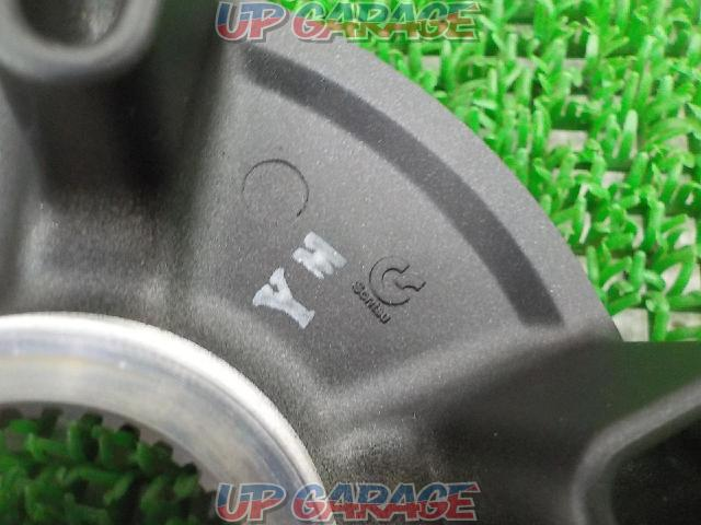 Ninja H2 Original wheel hub cover-04