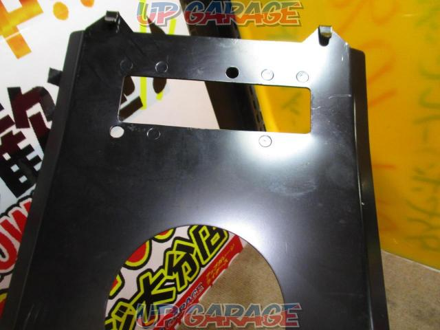 Unknown Manufacturer Flip down monitor mounting bracket-02