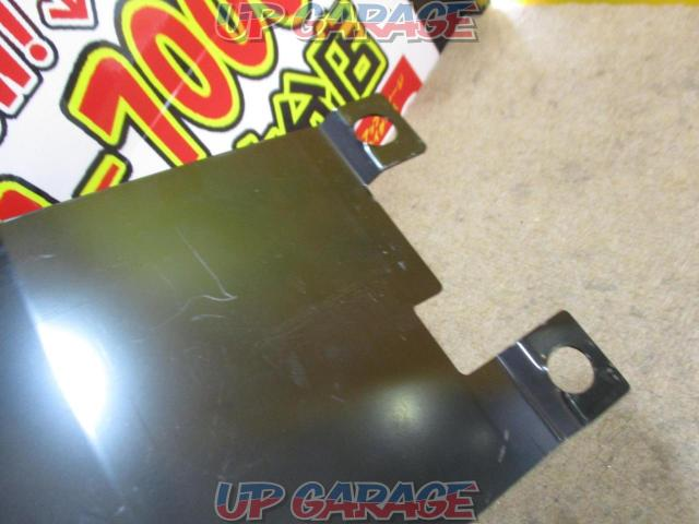 Unknown Manufacturer Flip down monitor mounting bracket-03