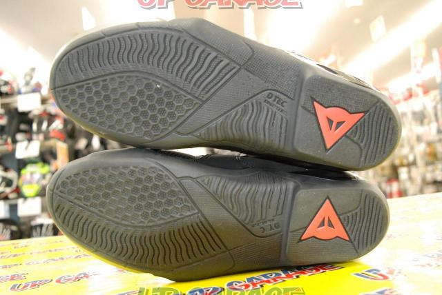 DAINESE AXIAL D1 AIR BOOTS BLACK / FLUO-RED Size EU42-02