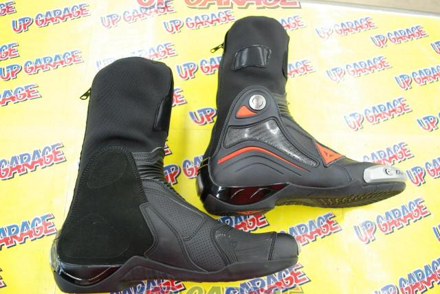 DAINESE AXIAL D1 AIR BOOTS BLACK / FLUO-RED Size EU42-03