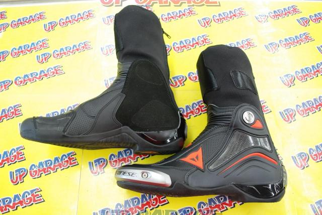 DAINESE AXIAL D1 AIR BOOTS BLACK / FLUO-RED Size EU42-04