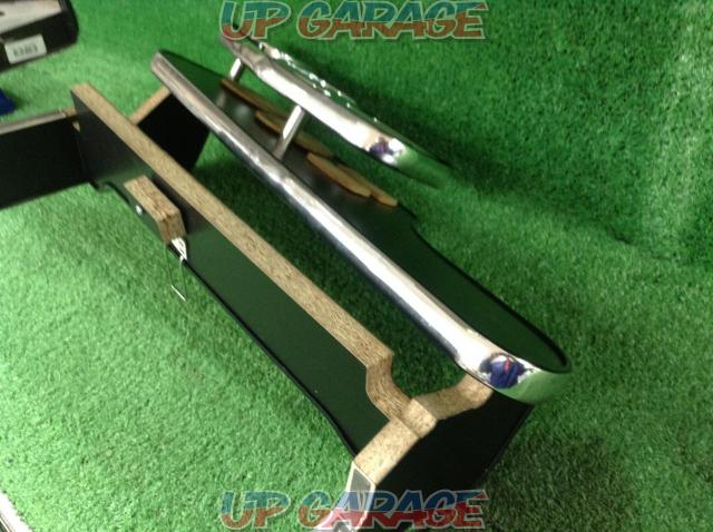 Unknown Manufacturer Front table-02