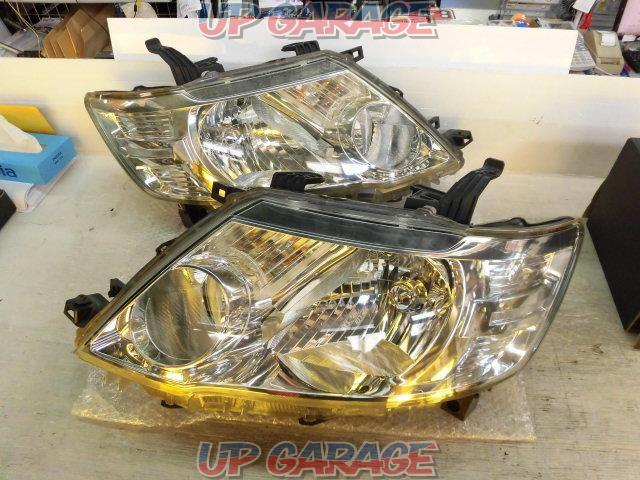 Nissan genuine C25 Serena Late Genuine Halogen Headlight Right and left-01