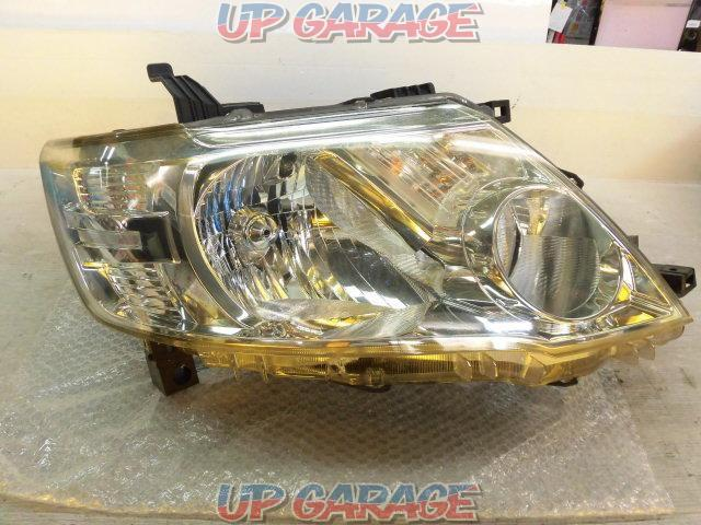 Nissan genuine C25 Serena Late Genuine Halogen Headlight Right and left-03