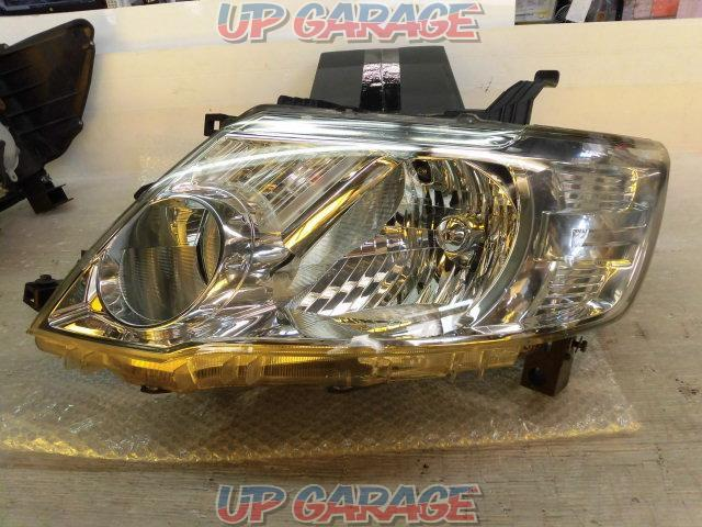 Nissan genuine C25 Serena Late Genuine Halogen Headlight Right and left-04