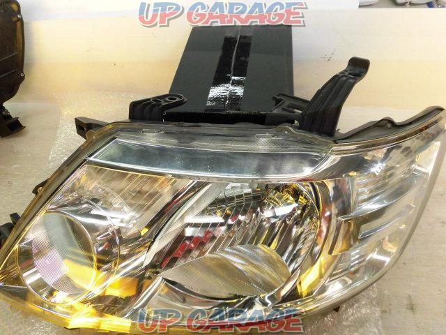 Nissan genuine C25 Serena Late Genuine Halogen Headlight Right and left-07